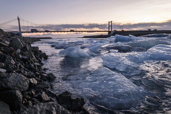 Puente de la laguna glaciar de Jökulsárlón