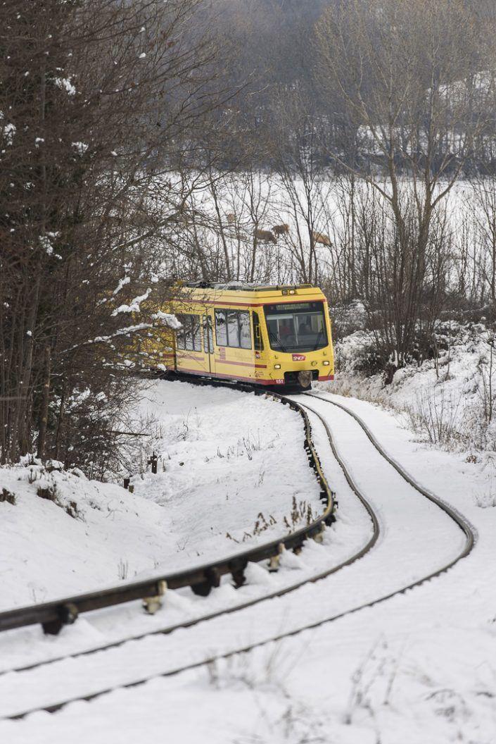 Tren groc en Osseja